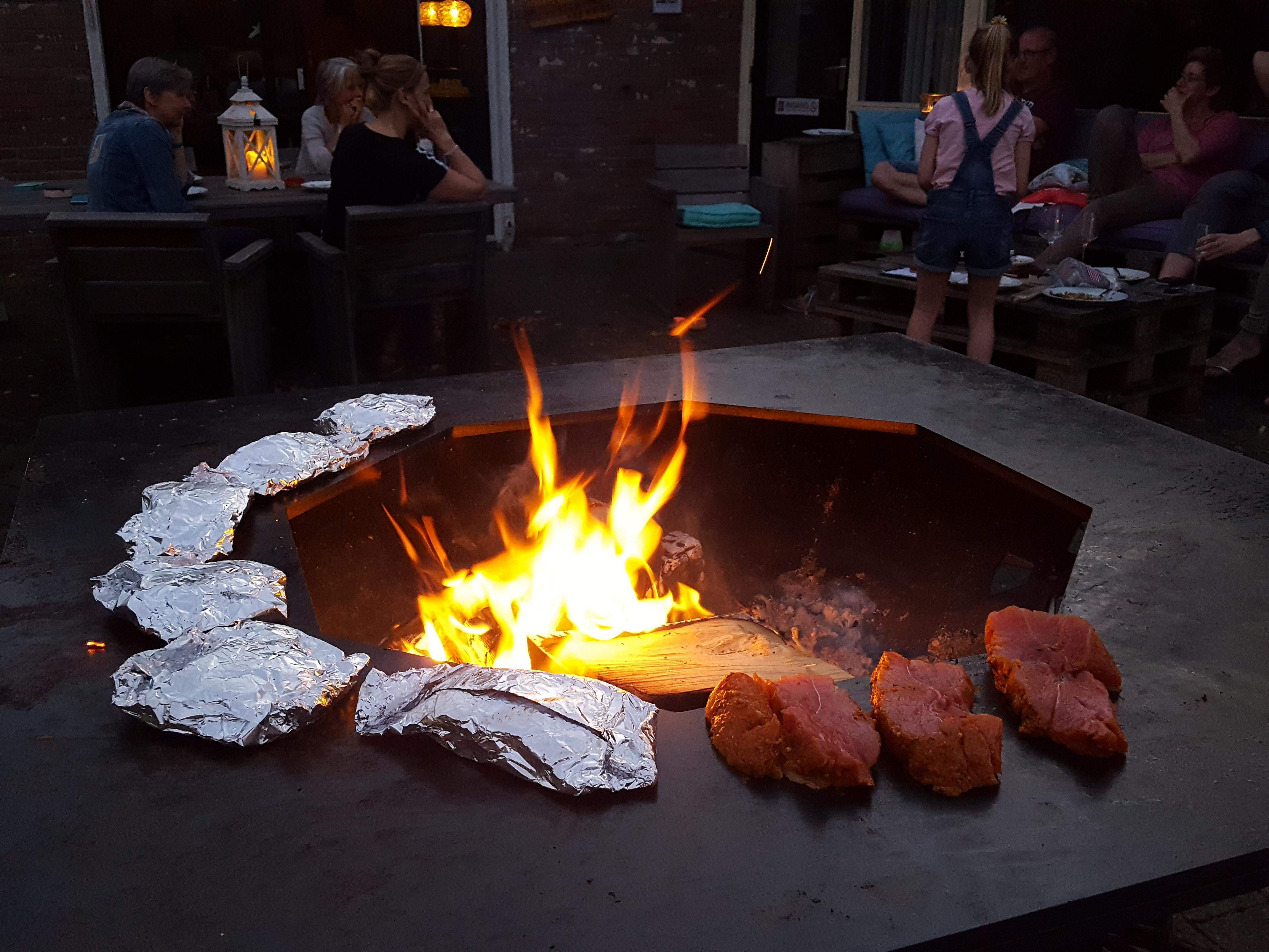 Ofyr BBQ bij Auberge le Monde van Aangenaam - Olde Horst Diever Drenthe